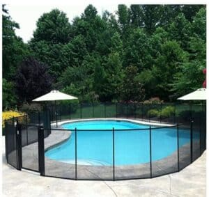 Mesh pool fence above ground