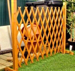 expanding trellis fence
