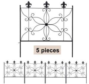 Metal garden fencing panel